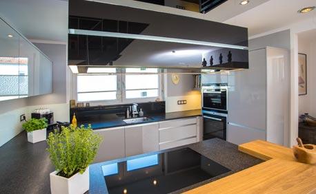 Home kuchenhaus basler filderstadt bernhausen kuchen for Küchenmonteur gesucht